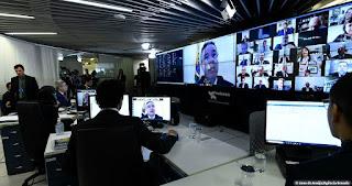 Senado aprova benefício de R$ 600 a autônomos e informais. Projeto vai à sanção presidencial