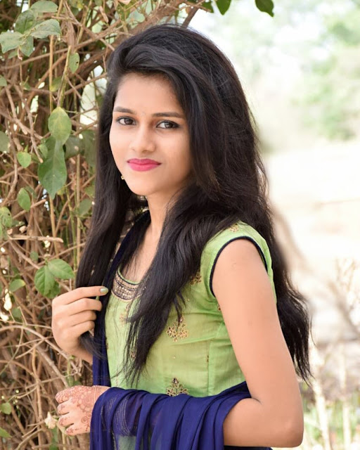girl image simple indian