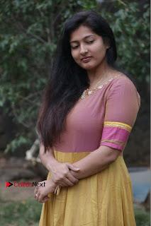 athri Raguram Stills at Yathumaki Nindraai Press Meet  0004.jpg