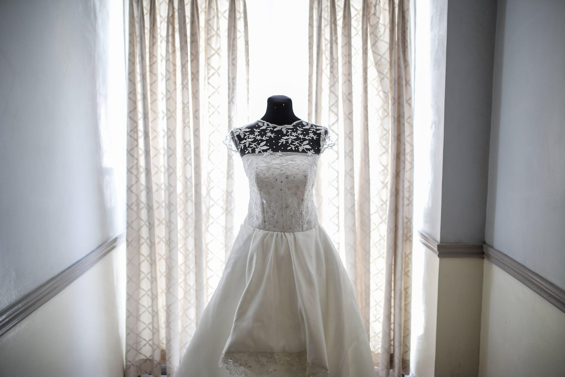 Have a Clear Vision of Your Dream Wedding Dress? Here's How to Find it IRL