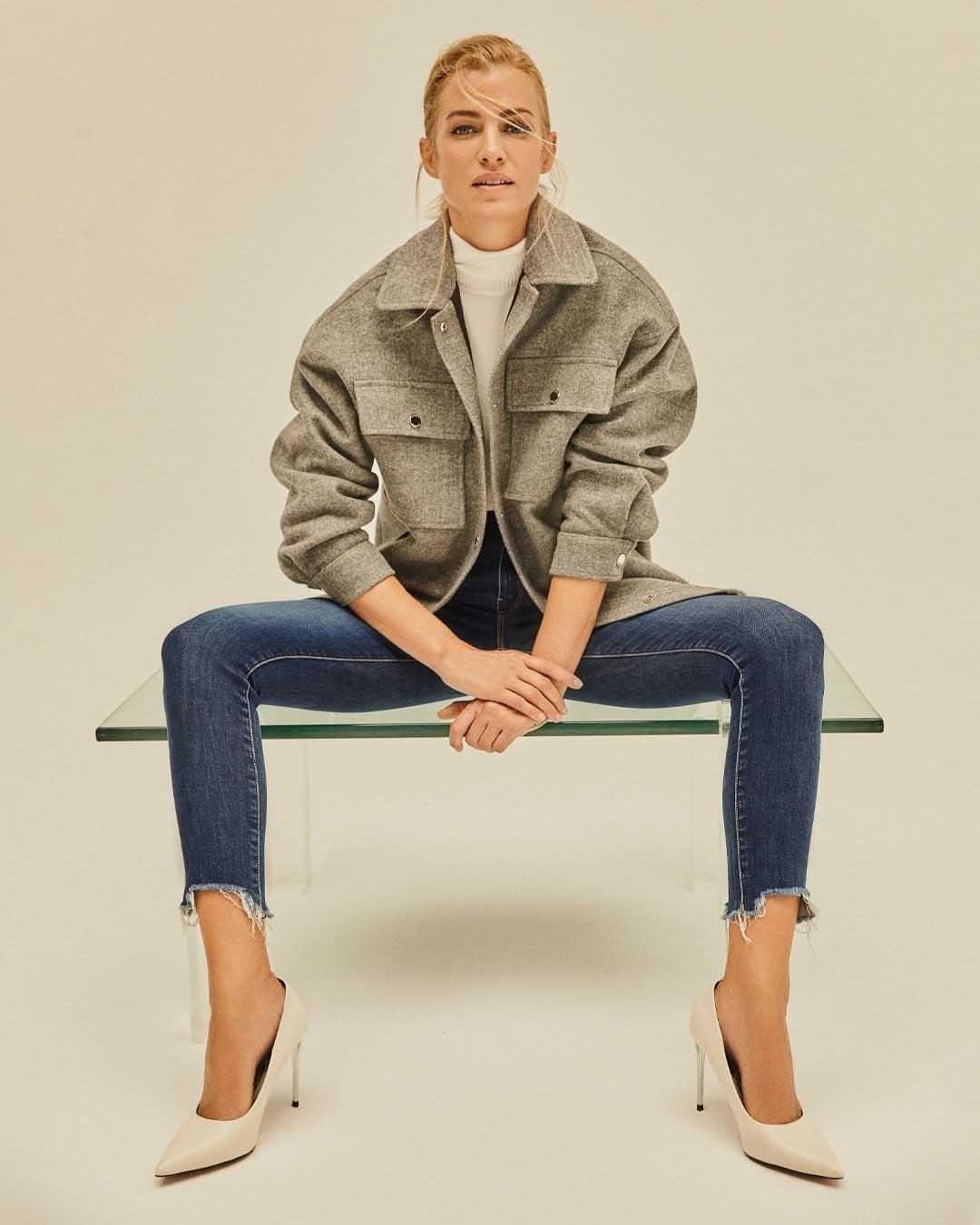 Camperas y pantalones de jeans invierno 2021 moda mujer