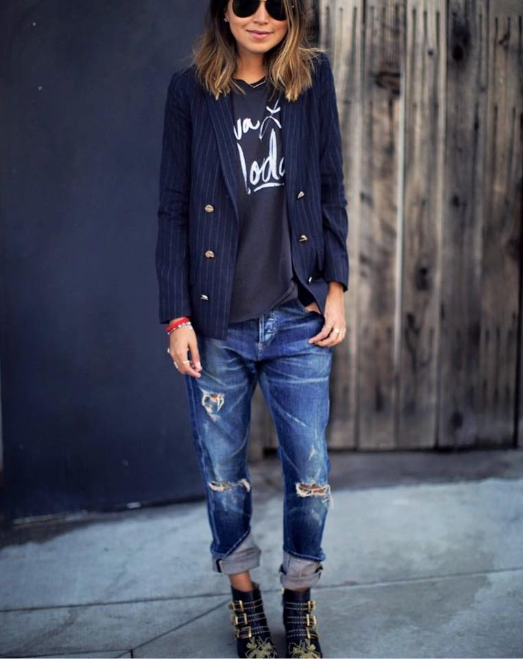 http   www.cosmopolitan.it moda tendenze g112428 jeans-strappati-7-modelli- da-avere-subito  b91d5fda68a