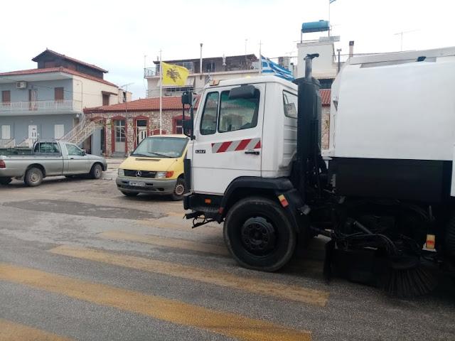 Συνέχεια καθαριότητας στο Δρέπανο με το ειδικό μηχάνημα (σκούπα) του Δήμου Ναυπλιέων