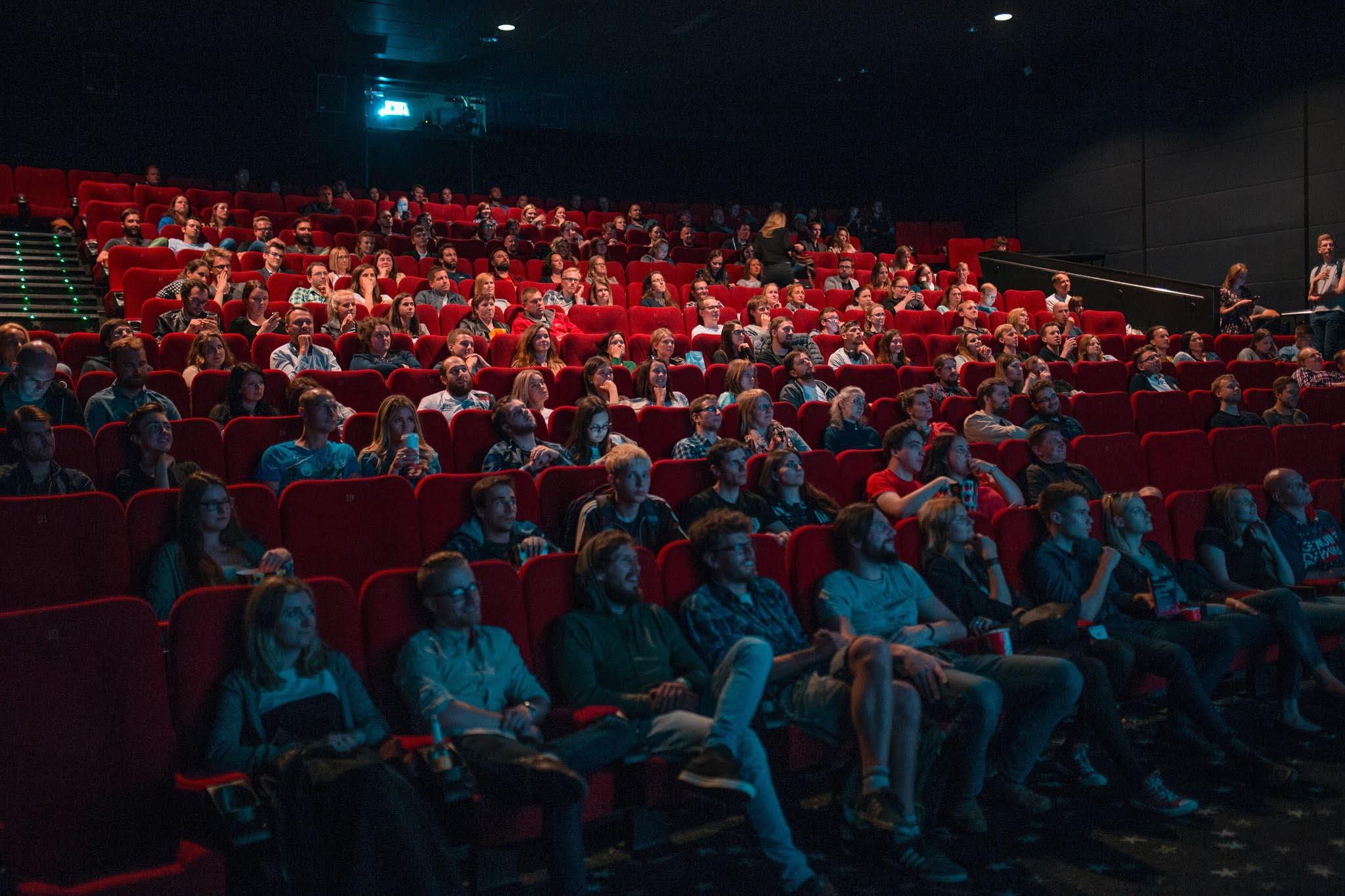 cinema intercâmbio amigos