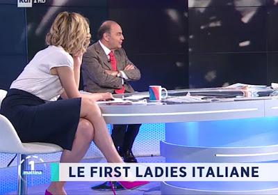 Monica Giandotti foto gonna e tacchi rosa Unomattina 30 aprile