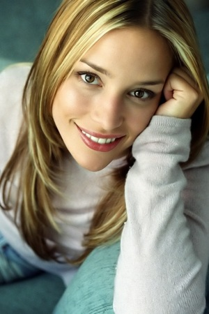 G C W Piper Perabo Hair Style Wallpapers