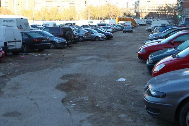 Proliferan los parkings en solares abandonados
