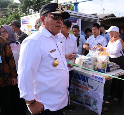 Gubernur Lampung Lakukan Peninjauan Operasi Pasar di Pasar Gintung Bandar Lampung