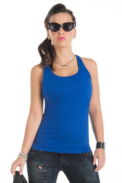 Débardeur bleu vierge modèle femme.