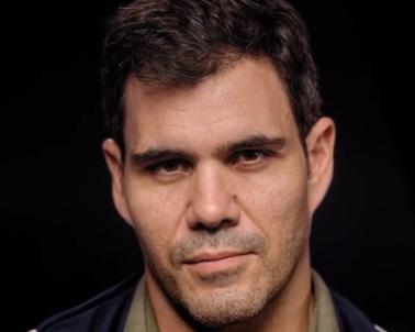 Juliano Cazarré se manifesta sobre recusa de vacina e manda indireta