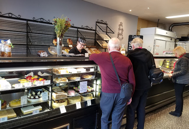 Muddings Bakery, Glen Waverley