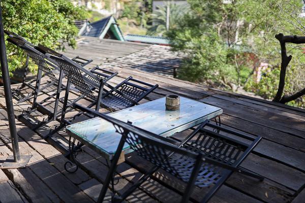 新竹香山柴寮披薩庭園景觀餐廳,童話魔法小屋繽紛特色建築好好拍