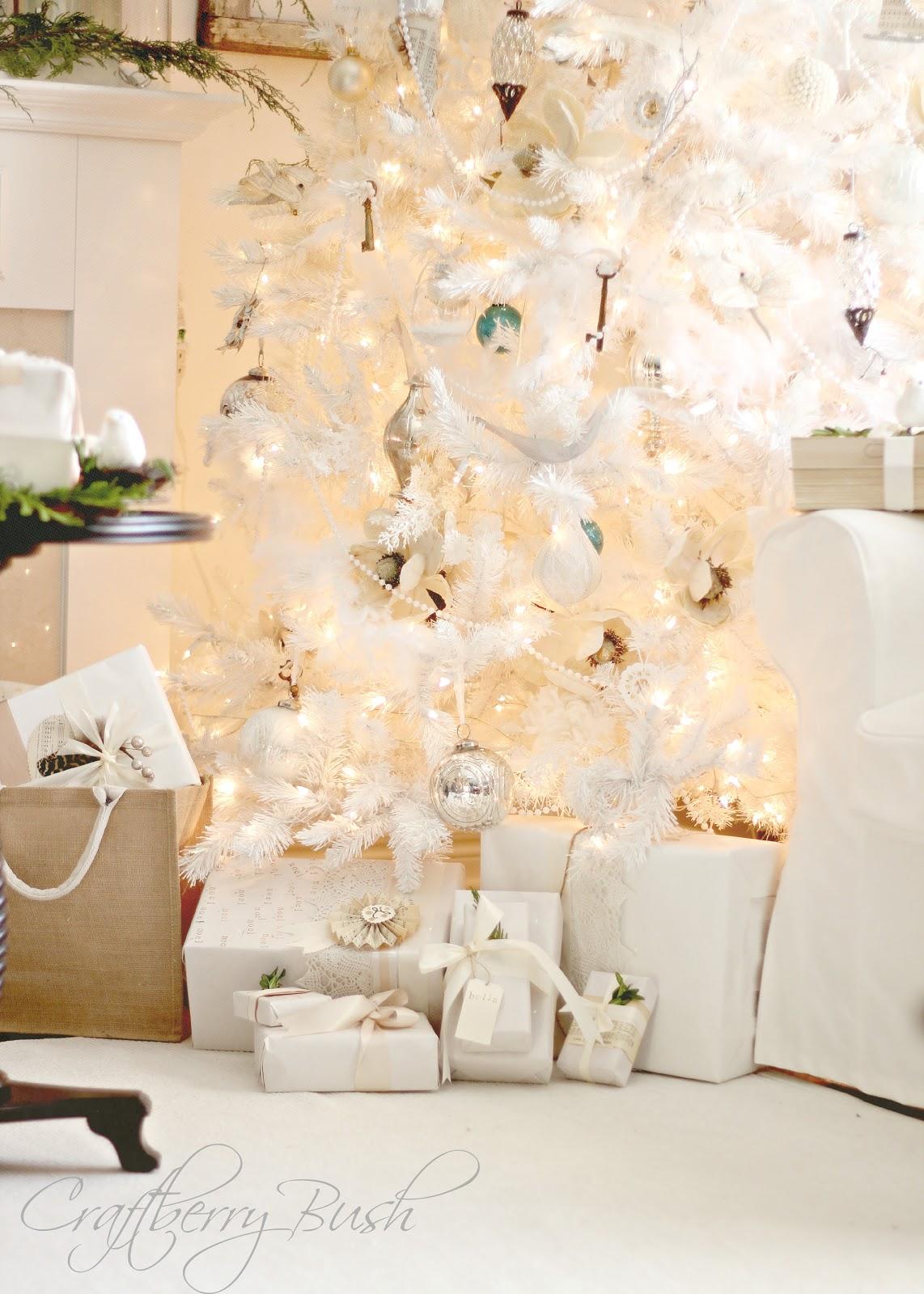 Hutch Decorating Ideas Christmas