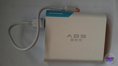 Powerbank ABS Malaysia Model Y40  Ringan Mudah di Bawa Ke Mana - Mana