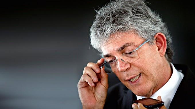 MP aciona Ricardo Coutinho por recebimento indevido de pensão de ex-governador