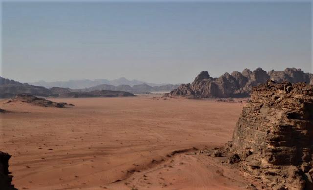 panorama sul wadi rum dalla duna rossa