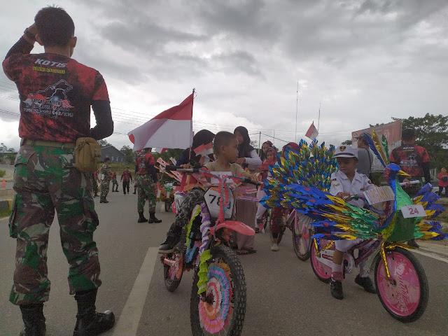 Ribuan Warga Entikong Ikuti Karnaval Perjuangan