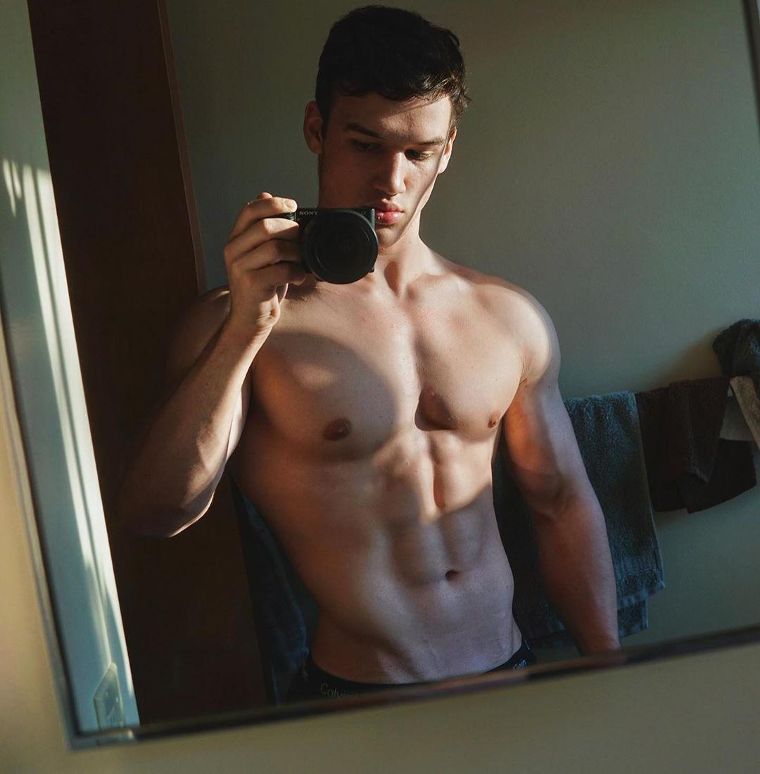 young-straight-baited-selfie-shirtless-muscular-body-big-pecs-bro-pouty-lips-dude-naughty-abs