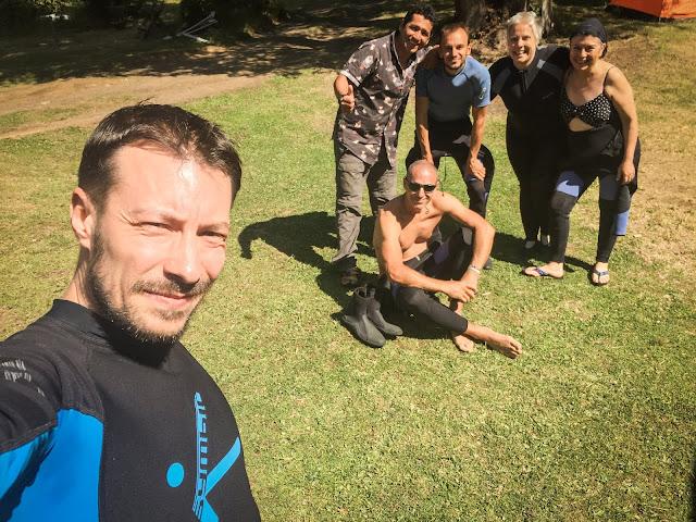 (st->dr:) Marcel, Pedro, Romain, eu, Angélica si domnul din Canare = o echipa latina