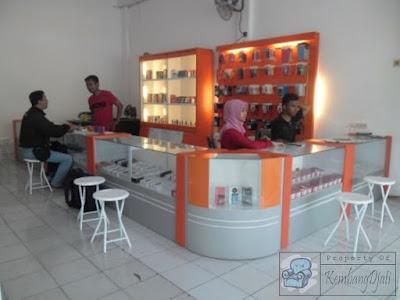 Etalase Display Konter Handphone + Furniture Semarang ( Etalase Display )