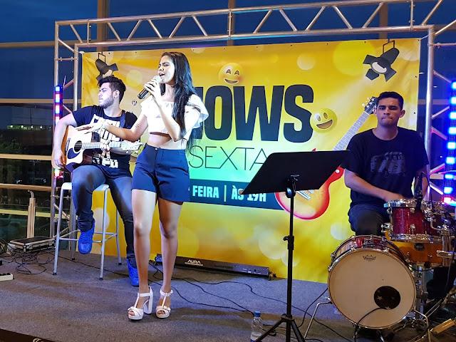 Anna Lima canta sucessos do sertanejo em show gratuito no Caxias Shopping