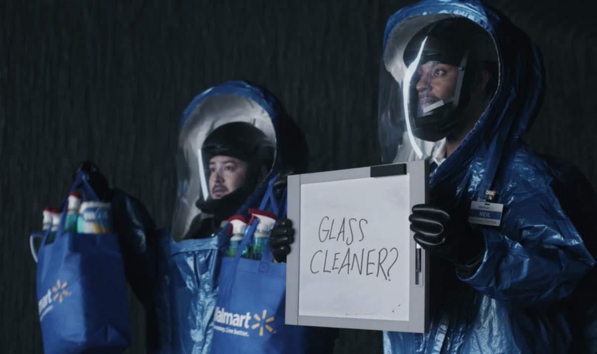 Walmart Super Bowl Commercial : オタク映画の人気キャラクターたちが続々とネットで買い物した商品を受け取りに現われるウォルマートのスーパーボウルのコマーシャル ! !