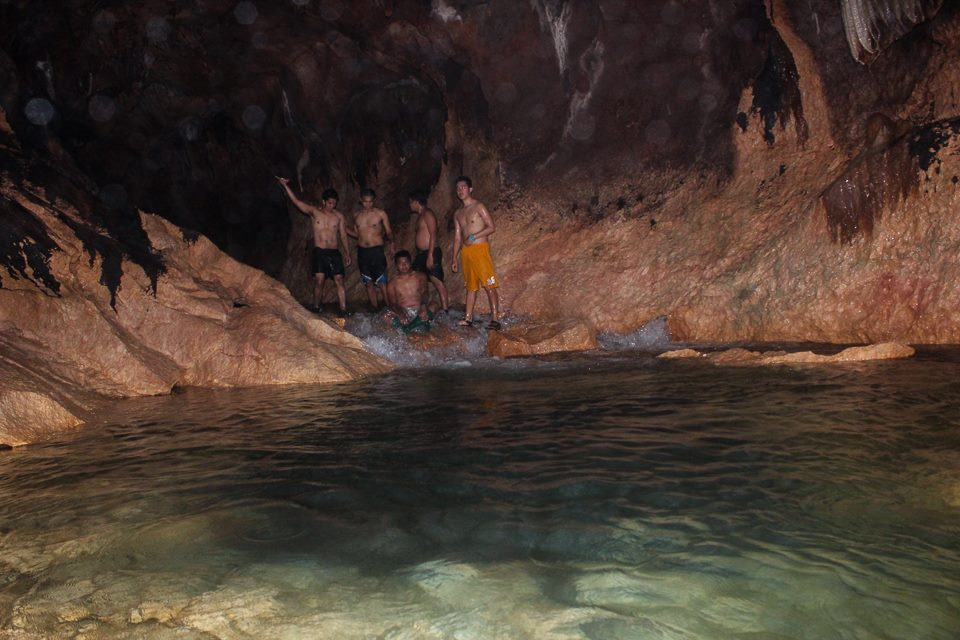 Tinipak Cave Swimming pool