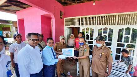 Bank Nagari Bantu Korban Bencana Longsor di Ranah Pesisir