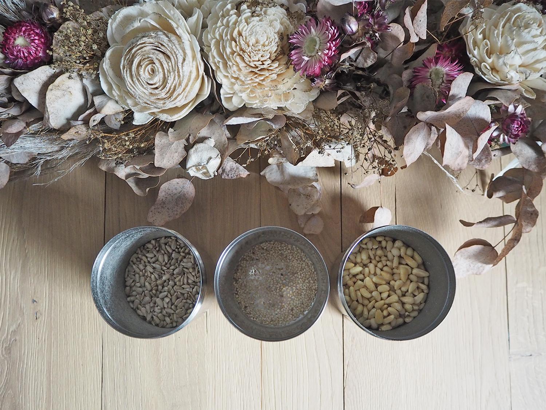 Vegane Gerichte herzhafter machen mit gerösteten Nüssen und Samen