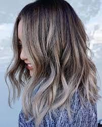 Light bạch kim là 1 giải pháp hữu hiệu và an toàn cho những người thích tóc bạch kim nhưng không muốn nhuộm cả đầu.