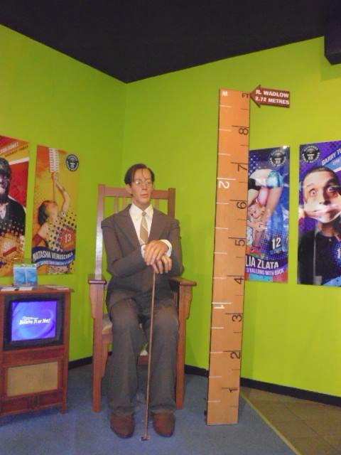 Récord mundial al hombre más alto: 2,72 metros