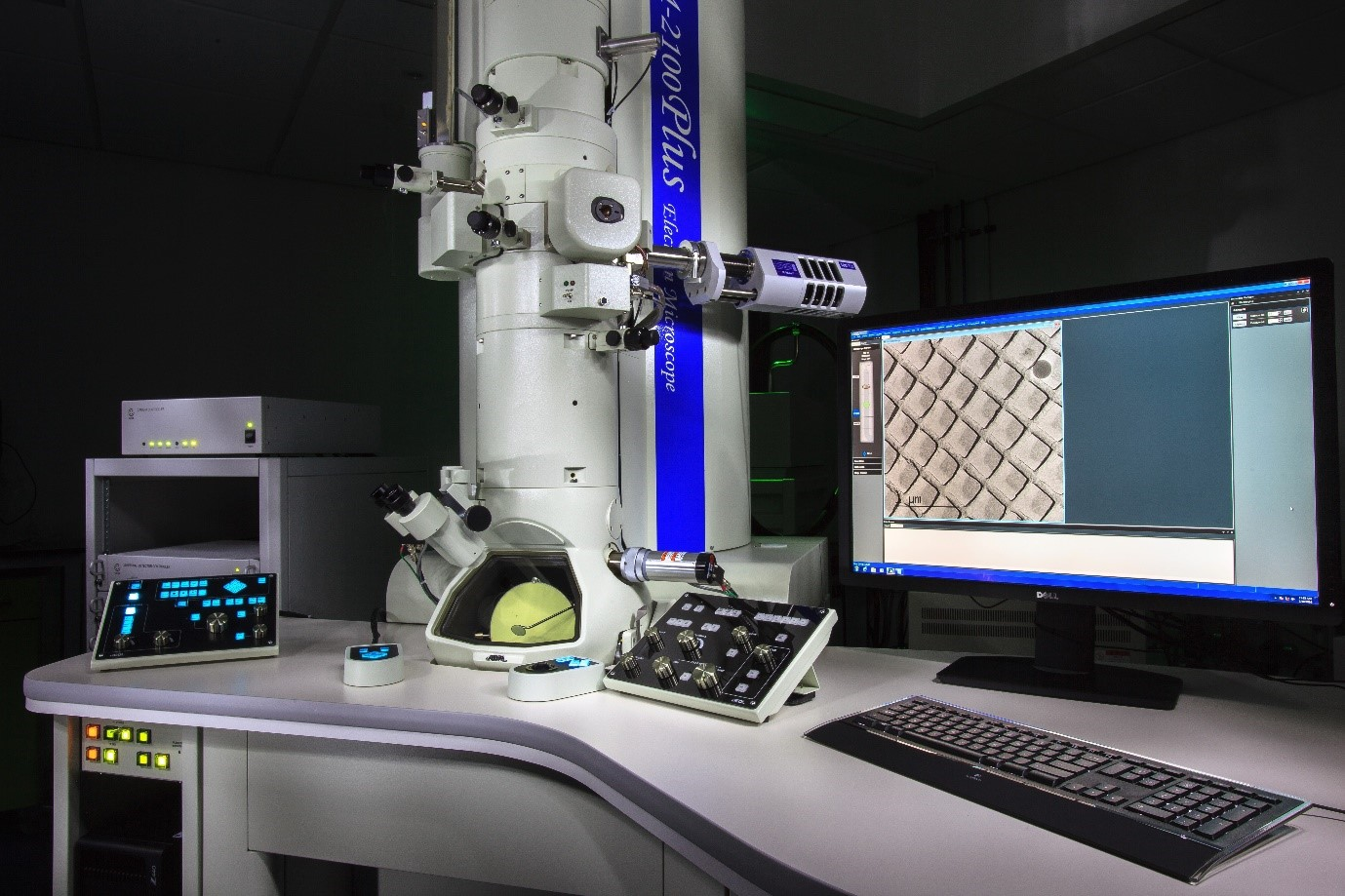 BGS Collaborate with the nmRC using Electron Microscopy // by Joe