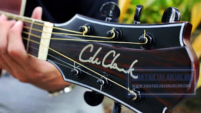 gitar akustik cole clark