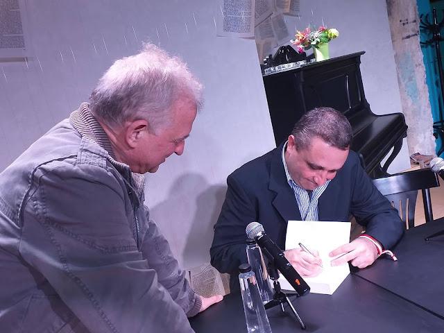 """Добри Божилов подписва """"Задругата"""" на Светозар Съев"""