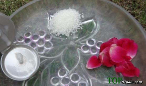 Cách tẩy tế bào chết bằng hoa hồng chống lão hóa cực mới lạ