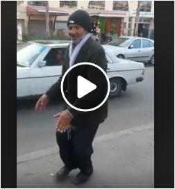 """بالفيديو سائق مغربي يتحدى """" رقصة كيكي """" برقصة حاوحاو اعيشة"""