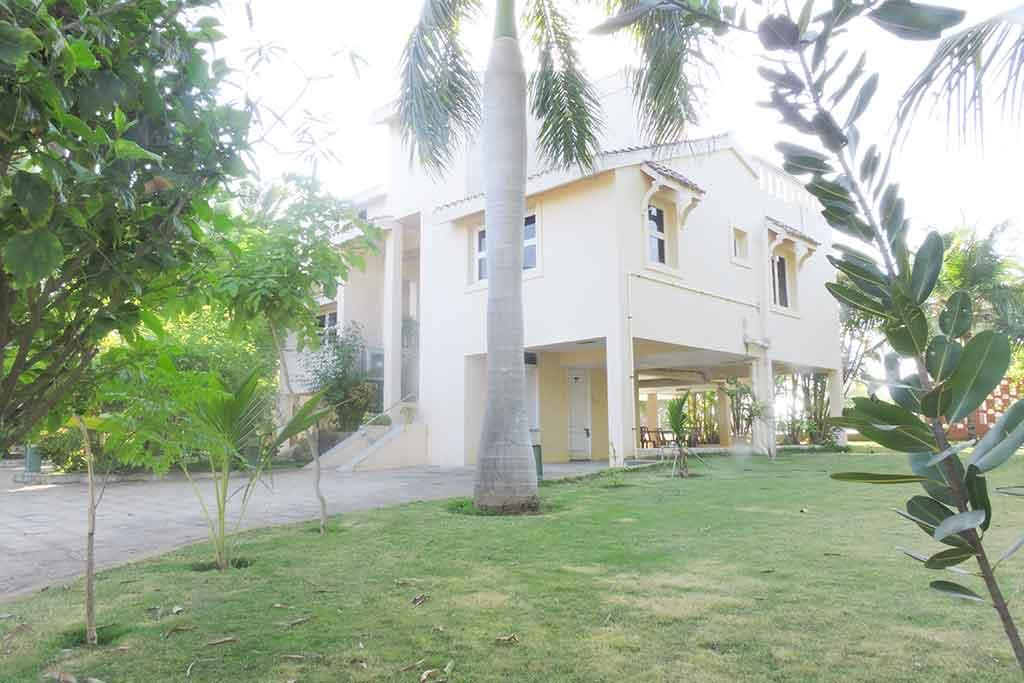 ecr farm house for rent