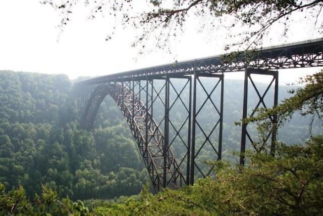 جسر نيو رفر جورج أو جسر نهر جورج الجديد  New River Gorge Bridge