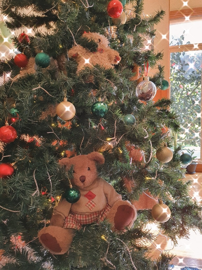 Teddy Bear-Themed Christmas Tree