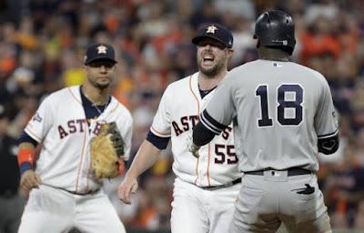 Ryan Pressly relevista de los Astros de Houston se lastima de nuevo la rodilla derecha