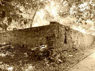 Muro da Antiga Fábrica de Pólvora do Jardim Botânico do Rio de Janeiro
