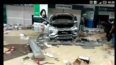 kondisi mobil-mobil yang dijarah oknum korban gempa palu.