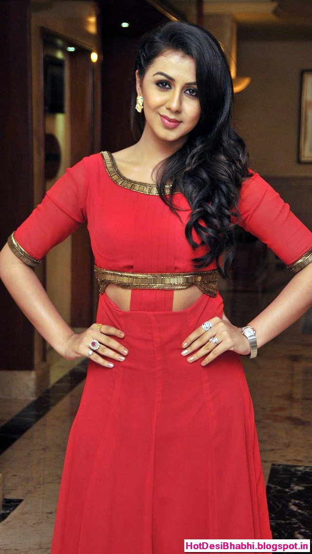 Nikki Galrani Latest Hot Wallpapers