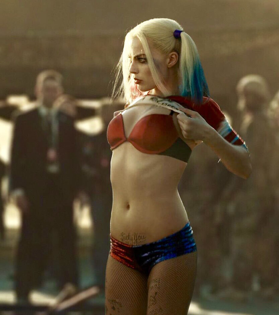 margot robbie sexy harley quinn outfit 02