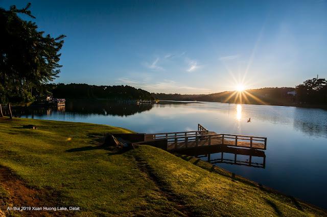 Một sáng mùa thu ở Hồ Xuân Hương