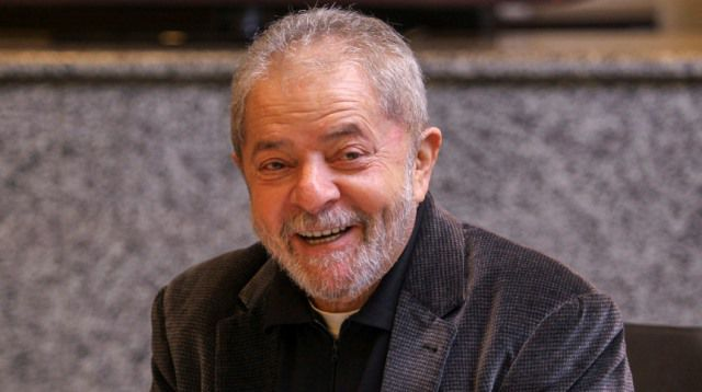 Pesquisa aponta vitória de Lula no primeiro turno; 49% contra 23% de Bolsonaro