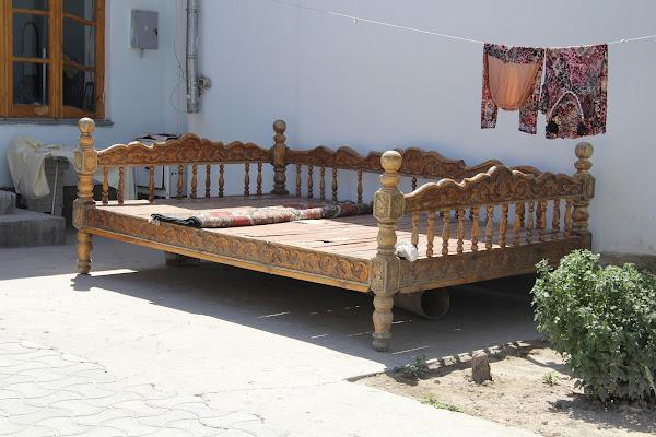 Ouzbékistan, Samarcande, tapshan, tapchane, rue Marta, © L. Gigout, 2012