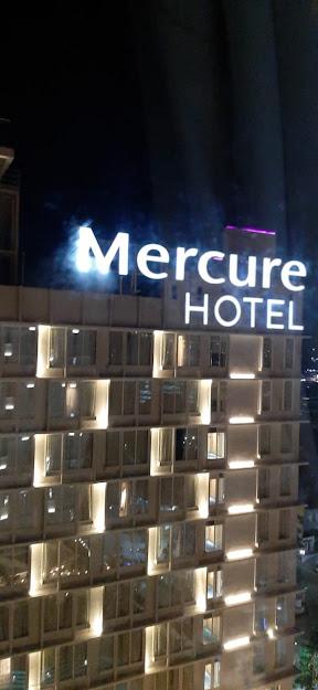 View Mercure Hotel terlihat dari Ibis Hotel Samarinda