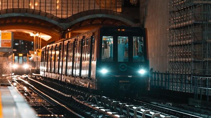 Plano de Fundo HD de Cidade com Metrô