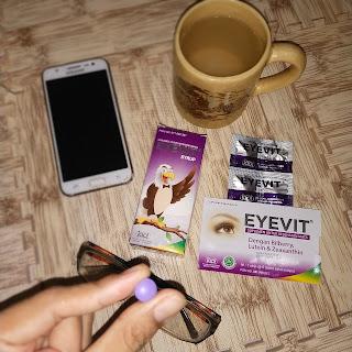 Salah satu varian Eyevit adalah Eyevit tablet untuk dewasa